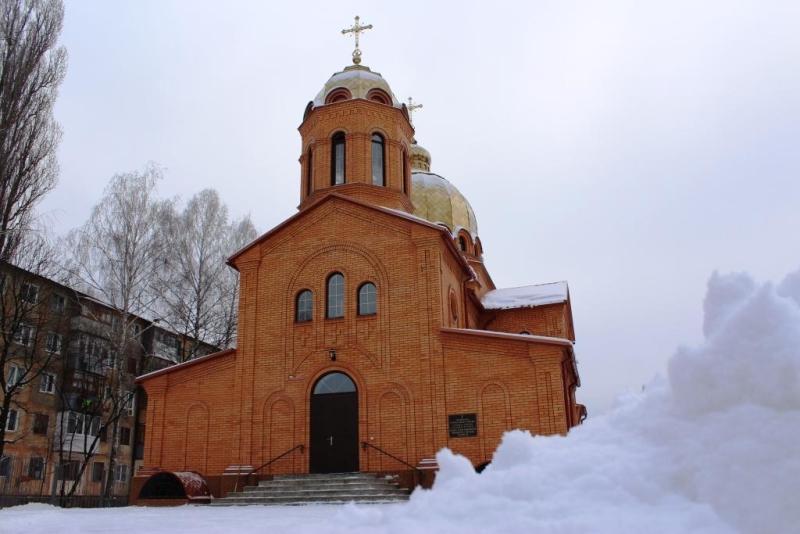 В Свято-Георгиевском храме освящена крестильня с  купелью для крещения взрослых