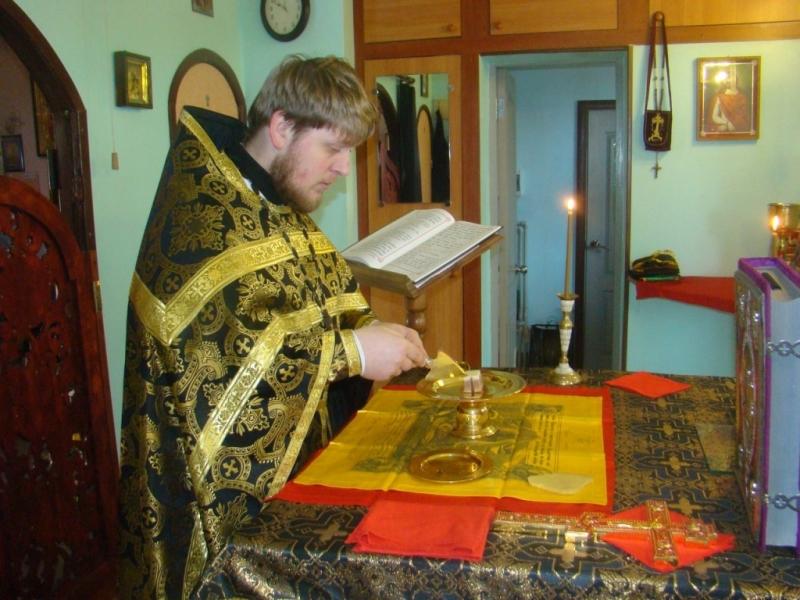 В храме Блаженной Ксении Петербургской совершена Литургия Преждеосвященных Даров